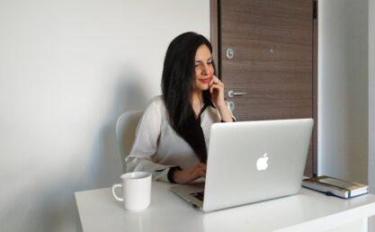 Γιούλη Φιλιππίδου, Αρθρογράφος και Ιδρύτρια του Parents Hub